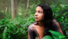 JOVEN AMAZÓNICA