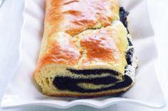 Makový závin | Apetitonline.cz Baking, Ethnic Recipes, Drink, Food, Decor, Bread Making, Decoration, Soda, Meal