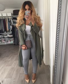 I really love her style and clothes! She has great taste in shoes as well. Dope Outfits, Casual Outfits, Fashion Outfits, Womens Fashion, Fashion Trends, Outfit Jeans, Mode Chic, Mode Style, Fashion Killa
