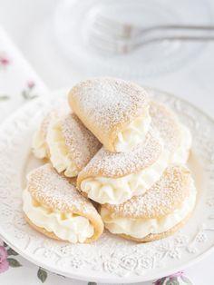Pin on Beauty Pin on Beauty Baking Recipes, Cookie Recipes, Dessert Recipes, Polish Desserts, Polish Recipes, Dessert Drinks, Donuts, Delicious Desserts, Food Cakes