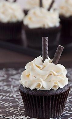 Cupcakes│Quequitos -Dark Chocolate - #Cupcakes