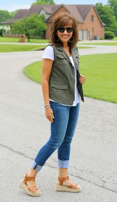 How To Style A Utility Vest for Spring - Grace & Beauty