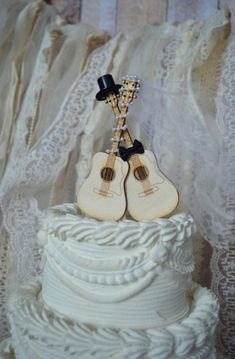 Items similar to Guitar wedding cake topper-musician-ivory veil-ivory-wedding cake topper-guitar-music-instrument-musical-guitar wedding-rock star on Etsy Music Wedding Cakes, Guitar Wedding, Music Cakes, Wedding Themes, Wedding Ideas, Wedding Planning, Veil Diy, Diy Wedding Veil, Ivory Wedding Cake
