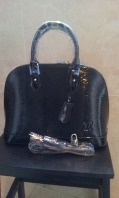Louis Vuitton Epi Leather Alma black. real shoot. $259+FREE shipping+on-line payment
