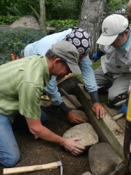 NAJGA Mn Estes Kamoshita set stone with attendee