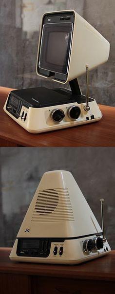 JVC collapsable Television & Am/FM Radio - Never had one, but this is retro cool tech. Radios, Design Retro, Vintage Design, Hifi Video, Retro Industrial, Alter Computer, Poste Radio, Vintage Television, Old Computers