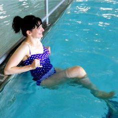 Burn Calories in the Pool (No Laps Required!)Great water exercises on the Shape magazine site - ads are annoying as hell though. Pilates, Pool Workout, Water Aerobics, Get Thin, My Pool, Before Wedding, I Work Out, Fitness Diet, Fitness Fun