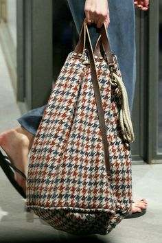 Fashion Handbags, Fashion Bags, My Bags, Purses And Bags, Sacs Tote Bags, Sacs Design, Boho Bags, Denim Bag, Fabric Bags
