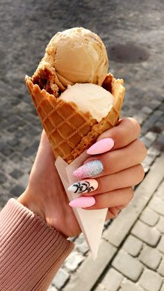 Summer nails palm pink Pretty Nails design