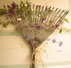 garden rake door wreath - what a cute idea!  :)