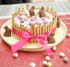 My easter cake ! Mon petit gâteau pour Pâques : un rainbow cake façon tarte au citron meringuée http://atelier-de-la-deco.fr