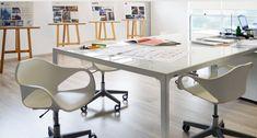 """Seu projeto de escritório vai ficar uma charme só com as #cadeiras Nina Office! Na versão branca ou preta, essas peças de #design suíço """"rodam"""" lindas em qualquer estilo de #decor. Quer apostar? #office #escritorio #cadeira"""