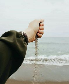 New photography poses hijab posts Ideas Hand Photography, Photography Poses Women, Tumblr Photography, Portrait Photography, Hijabi Girl, Girl Hijab, Muslim Girls, Muslim Women, Islamic Girl