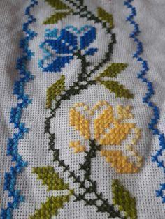 Cross Stitch Bird, Cross Stitch Flowers, Cross Stitch Patterns, Crochet Stitches, Crochet Patterns, Fillet Crochet, Crochet Tablecloth, Nostalgia, Cross Stitch Tree