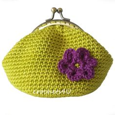 This is a free crochet pattern for this little coin purse with a kiss lock bracket. Lots of pics AND Translate works pretty well-enough to get a good idea of the directions. Purse Patterns Free, Coin Purse Pattern, Crochet Coin Purse, Crochet Purses, Free Pattern, Crochet Patterns, Bead Crochet, Free Crochet, Diy Crafts For Boyfriend