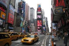 Times Square, New York. Love that I can say I have been there but a couple days was definitely not enough, I plan on going back! I New York New York City, New York Street, 42nd Street, Oh The Places You'll Go, Places To Travel, Places To Visit, Times Square, Nyc, Camping Au Quebec