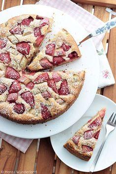 Rezept Rhabarber:  Erdbeer-Rhabarber-Joghurtkuchen, Rhabarberkuchen    Recipe rhubarb cake