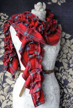 Pretty Tartan Fleece ruffled scarf