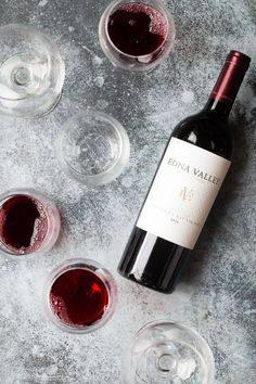 Five Awesome Wines For Your Holiday Table Check out my five awesome wine choices for the holidays! Wine Ratings, Wine Lovers, Wine Photography, Wine Down, In Vino Veritas, Wine Cheese, Wine Time, Holiday Tables, Wine Drinks