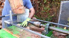 Homemade screw cone log splitter - Splitting hard wood eucalyptus. מבקעת...