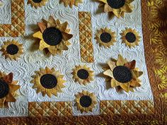 Really cute Sunflower by Jessica's Quilting Studio - I want to do this one!!