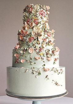 5 Wedding Cake and Dessert Makers You Can Get to Sweeten Your Big Day 5 Weddings . - 5 Wedding Cake and Dessert Makers You Can Get to Sweeten Your Big Day 5 Wedding Cake and Dessert Ma - Elegant Wedding Cakes, Beautiful Wedding Cakes, Wedding Cake Designs, Beautiful Cakes, Rustic Wedding, Wedding Cake Vintage, Big Wedding Cakes, Floral Wedding Cakes, Garden Wedding Cakes