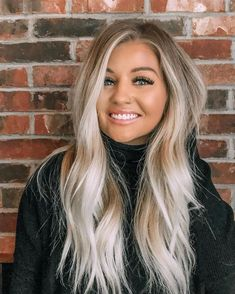 50 Pretty Blonde Hair Color & Shades Ideas for 2020 Blonde hair models Ashy Blonde Balayage, Blonde Hair With Highlights, Brown Blonde Hair, Hair Color Balayage, Caramel Highlights, Winter Blonde Hair, Black Hair, Blonde Honey, Blonde For Fall