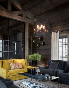 Modern chalet with moody dark interiors in Norway Dark Interiors, Rustic Interiors, Beautiful Interiors, Wooden Decor, Rustic Decor, Rustic Design, Design Design, Interior Trim, Interior Design
