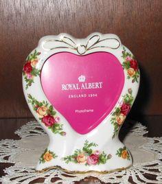Royal Albert OLD COUNTRY ROSES Heart Photo Frame | eBay