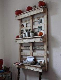decorative rustic shelves from old wood pallets