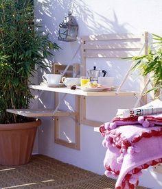 Mesa funcional para balcones pequeños