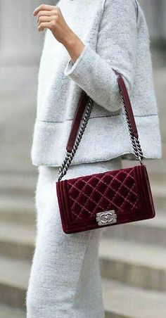Designer bag / street style fashion #desginerbag #luxury #streetstyle #fashion / Instagram: @fromluxewithlove Winter Style, Autumn Winter Fashion, Winter Outfits