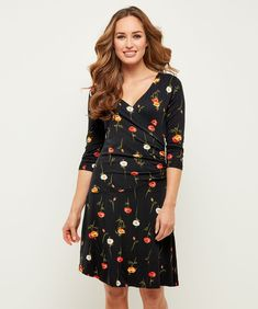 Moonlit Petal Dress Another super flattering dress for the autumn season. This vivid poppy print will have you feeling beautiful and breezy with a sleek and figure-hugging wrap-over design. Flattering Dresses, Summer Accessories, Cute Woman, How To Feel Beautiful, Moonlight, Poppies, Knitwear, Wrap Dress, Floral Prints