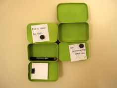 A tutorial for an  adorable magnetic message board, key holder, what have you from Altoid tins.