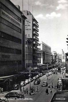 Johannesburg, showing the balconies of Polliack's Corner (left)