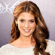 Have you every tried Chestnut Brown Hair with Caramel Highlights idea? Try to create Chestnut Brown Hair with Caramel Highlights and your look will be more dazzling. Bridal Hair Down, Wedding Hair Down, Wedding Hair And Makeup, Hair Makeup, Brown Hair With Caramel Highlights, Hair Highlights, Auburn Highlights, Caramel Brown, Caramel Hair