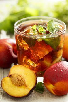Home is in the kitchen - Наш ответ жаре: ананасовая шипучка и два холодных чая с фруктами