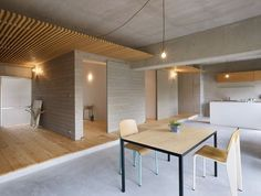 House in Fujimicho_Suppose design office Interior Architecture, Interior And Exterior, Design Japonais, Japanese Interior Design, Wooden Sliding Doors, Japanese House, Architect Design, Ceiling Design, Home Living Room