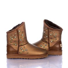 Ugg Jimmy Choo Mini 5829 Gold UK this site sells cheapest uggs Jimmy Choo, Gold Boots, Fur Boots, Classic Ugg Boots, Ugg Classic, Uggs For Cheap, Mini, Ugg Slippers, Looks Cool