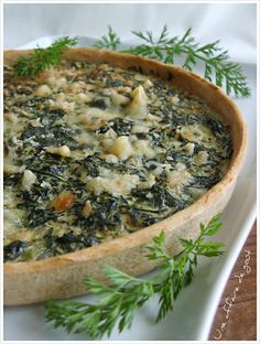 Quiche aux fanes de carottes Plat Vegan, Batch Cooking, Beignets, Food Design, Rolls, Veggies, Breakfast, Desserts, Oui