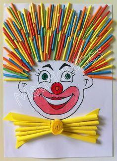 clown met haar van tijdschriftrolletjes