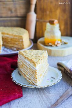 TORT MEDOVIK (CU MIERE) PAS CU PAS I Rețetă + Video - Valerie's Food Food Cakes, Vanilla Cake, Cake Recipes, Diy And Crafts, Recipies, Deserts, Food And Drink, Sweets, Health