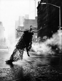 Linda Evangelista by Peter Lindbergh... www.fashion.net