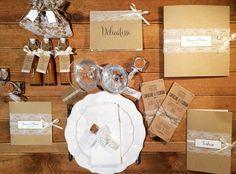Collection Kraft dentelle by Féeline création, www.feelinecreation.com, faire part mariage, cadeaux invités, dragées, tablette de chocolat, livre d'or, menu, mignonnette sirop, pochon dentelle, verrine dentelle, marque place, escord card