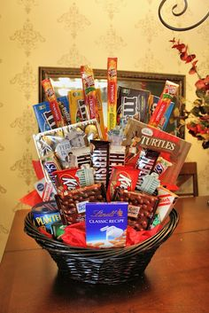 Diy gift basket diy pinterest girlfriends gift and basket ideas diy candy bouquet gift basket solutioingenieria Image collections