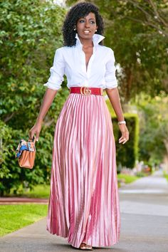 Button Down Shirt + Metallic Pink Pleated Skirt : Style Pantry Pink Shoes Outfit, Pink Skirt Outfits, Pleated Skirt Outfit, Metallic Pleated Skirt, Maxi Outfits, Dress Skirt, Fashion Outfits, Shirt Skirt, Pink Dress