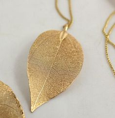 Fashion Hot Sales Golden Leaves Long Pendant & Necklace