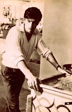 ALAIN DELON 1960's Iconic French actor heart-throb playing pinball (Japan mag… Mehr