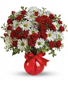 White Traditional Daisy And Red Rose Bouquet at Send Flowers! Romantic mixed flowers bouquet of traditional white daisies and red roses in red glass vase. Romantic Flowers, Beautiful Flowers, White Flowers, Teleflora Flowers, Vase Rouge, Send Flowers Online, Red Rose Bouquet, Flower Bouquets, Anniversary Flowers