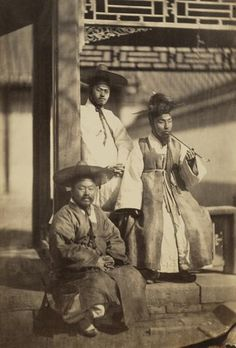 """One of the earliest photographs depicting yangban Koreans, taken in 1863."" Bells I am curious about the colours. WHOA I JUST linked it to a page with lots of old Korean Pictures!! (its in Korean.)"